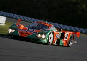 Mazda 787B en circuito