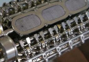 Motor W18 construido por Patelo