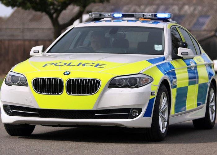 Coche patrulla de la policia