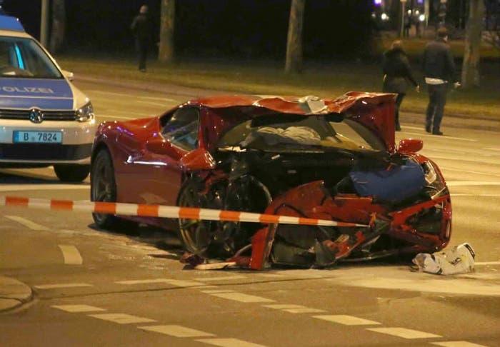 Frontal dañado Ferrari 458 Speciale