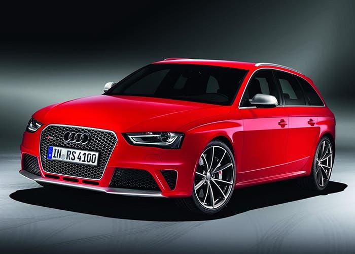Vista frontal del Audi RS4 Avant