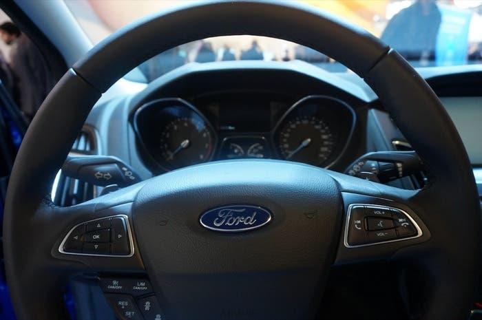 Ford Focus 2014 volante