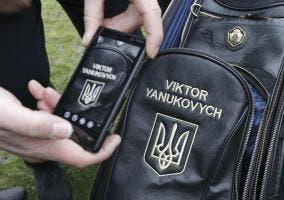 Mochila con símbolo del presidente ucraniano