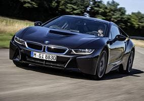 BMW i8 negro vista frontal