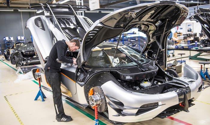 Koenigsegg One producción vista frontal derecha