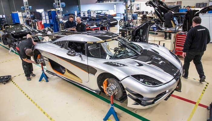 Koenigsegg One producción vista frontolateral