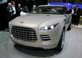Parte frontal del SUV de Aston Martin