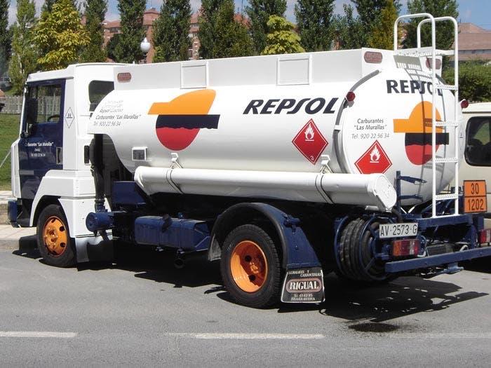Camión cisterna Repsol