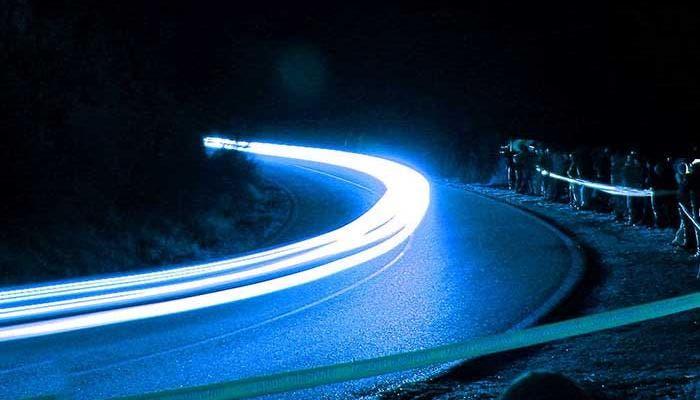 Luces en un tramo de carretera