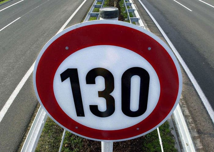 Límite de velocidad a 130 km/h