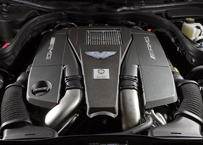 Aston Martin con motor AMG
