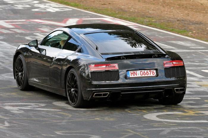 Trasera de la mula de pruebas del nuevo Audi R8