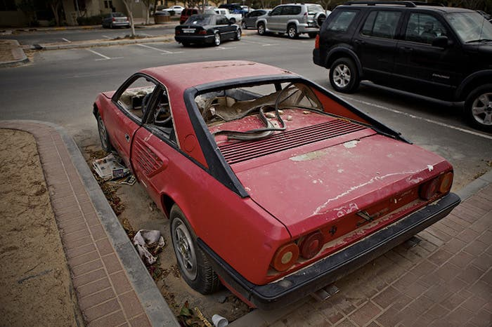 Ferrari asaltado en las calles de Dubai