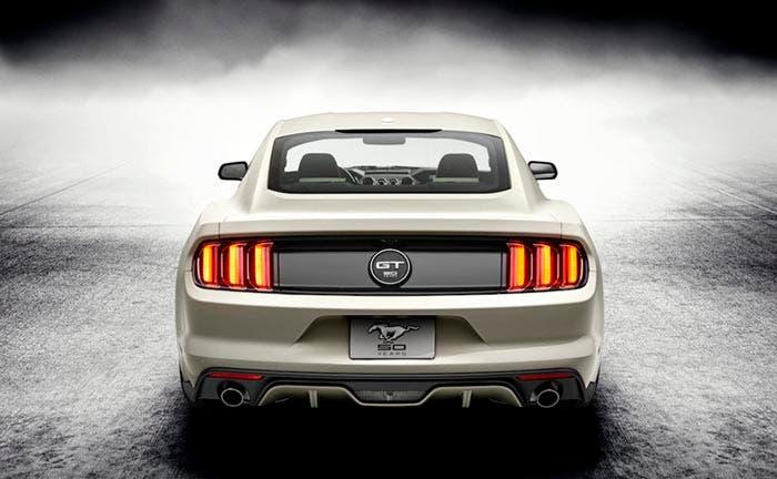Trasera del Ford Mustang 50 Aniversario