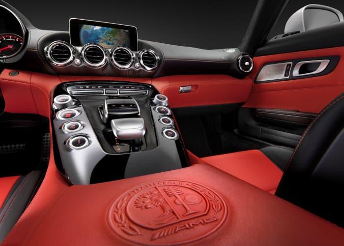 Consola central del Mercedes-AMG GT