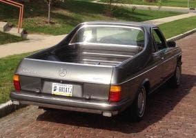 Trasera de la pickup de Mercedes de 1979