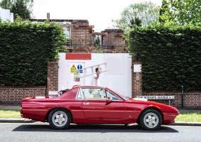 Perfil de un Ferrari 412 pickup