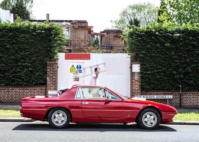 Perfil de un Ferrari 412 transformado en pickup
