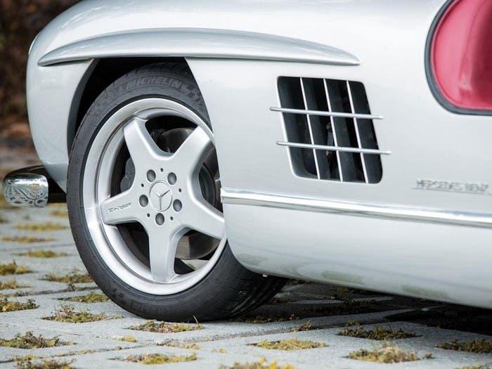 Branquias del Mercedes Alas de Gaviota