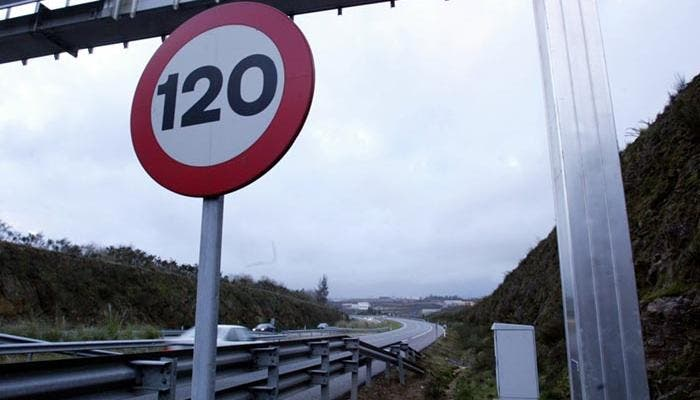 Carretera limitada a 120 km/h