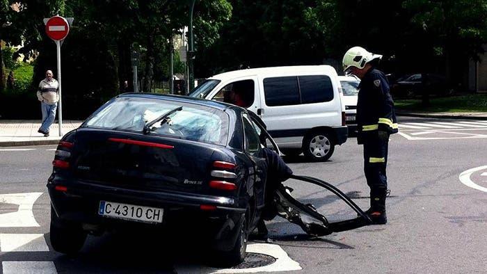 El coche quedó destrozado