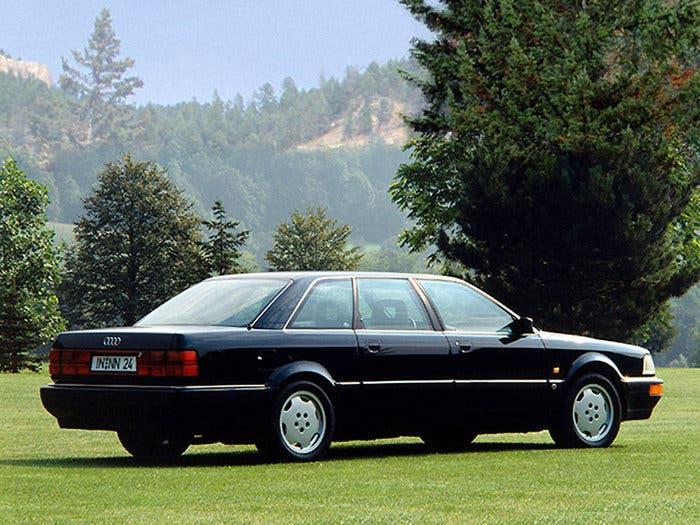Un Audi V8