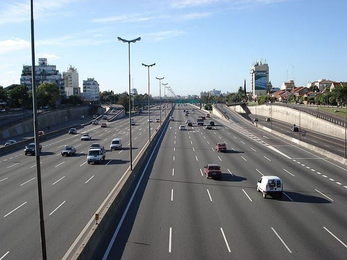 Autovía de seis carriles