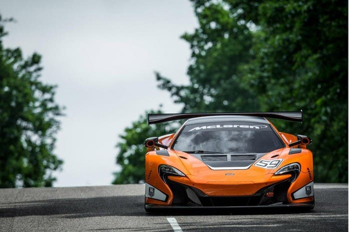 McLaren 650S GT3 estático