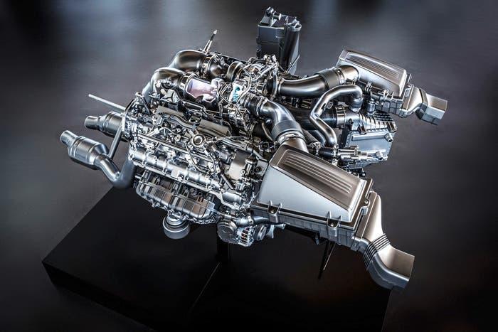 V8 Mercedes M178