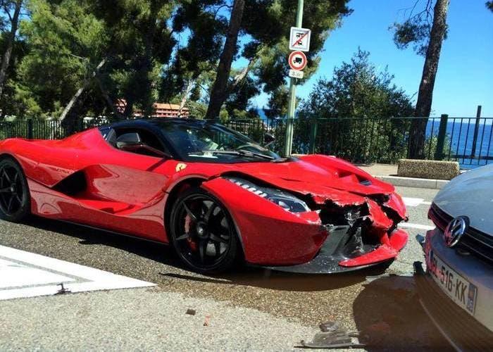 Accidente de un Ferrari LaFerrari