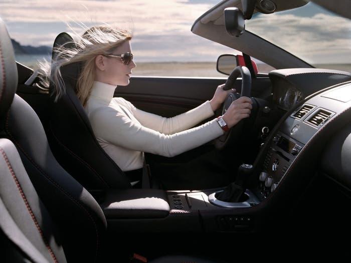 Chica en coche