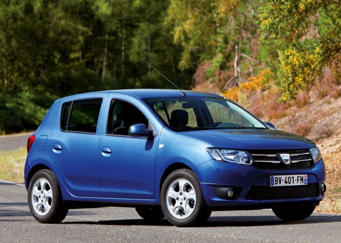 Dacia-Sandero-2013-images-04