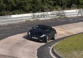 Jaguar con cambio manual de pruebas en Nurburgring