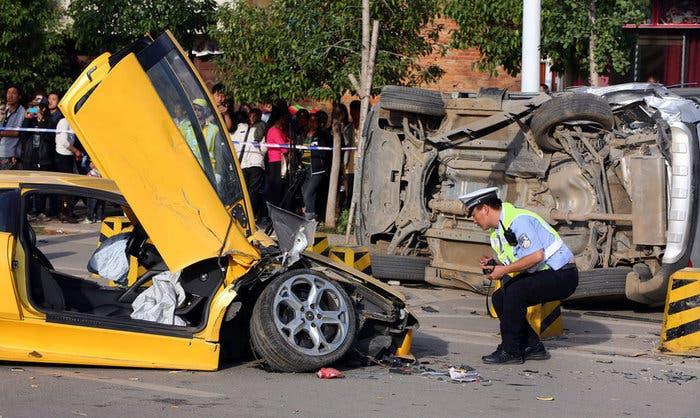 Accidente de un Lamborghini