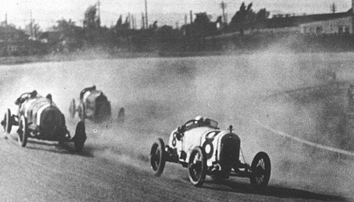 Competición de coches antiguos