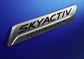 Emblema Skyactiv