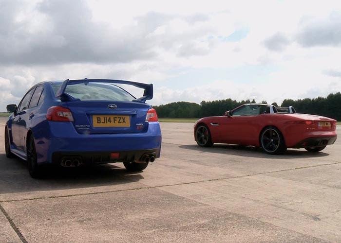 Carrera de aceleración entre el Jaguar F-Type y Subaru WRX STI