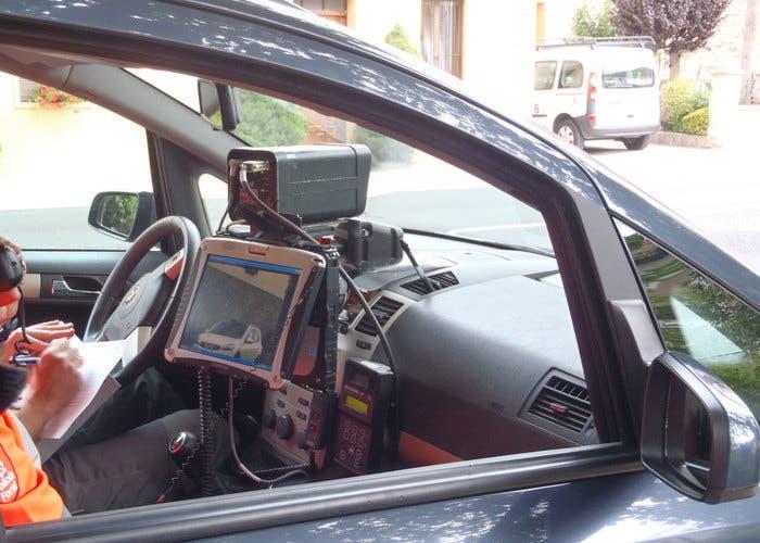 Radar oculto en un coche