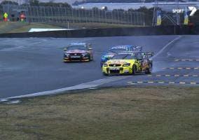 V8 Supercars sobre mojado