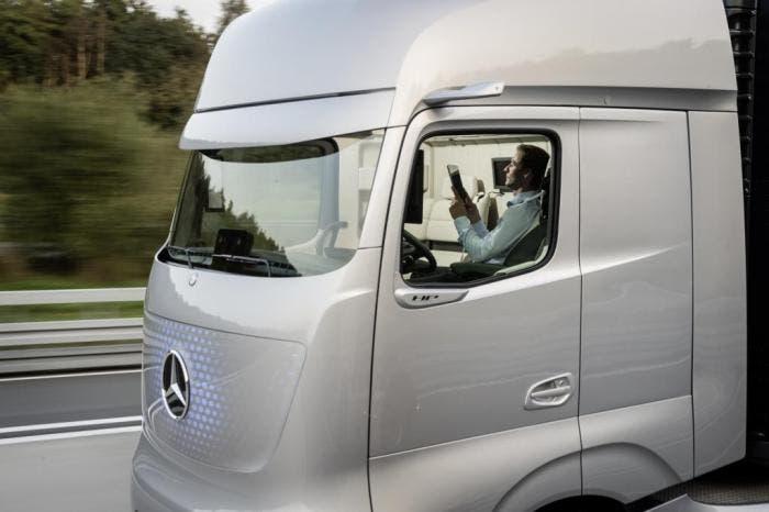 Mercedes-Benz Future Track 2025
