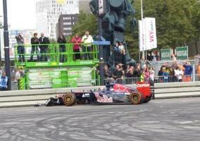 Max Verstappen sufre un accidente en una exhibición