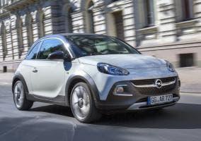 Imagen frontal del Opel ADAM ROCKS