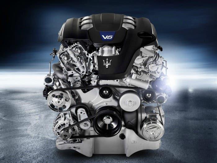 Motor V6 de Maserati Ghibli al descubierto
