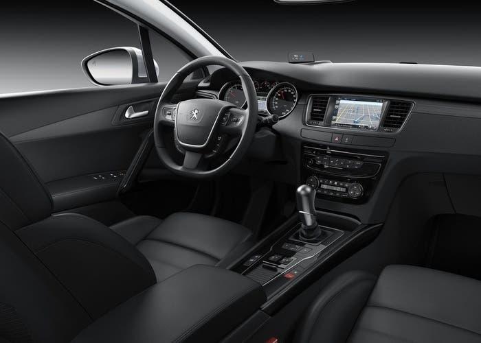 Interior del Peugeot 508 2015