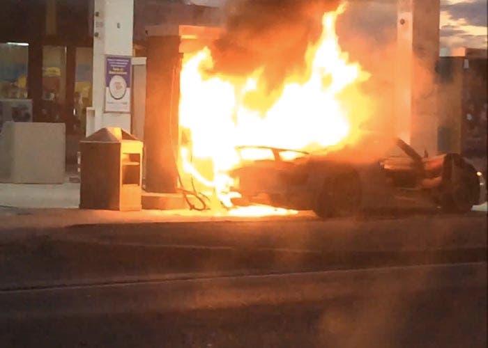 Porsche 918 Spyder ardiendo