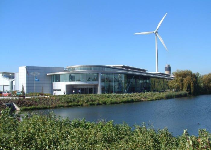 Vista exteriod del centro diesel Ford en Dagenham