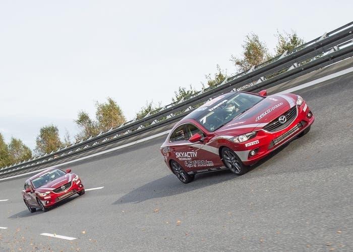 El Mazda 6 batiendo un récord