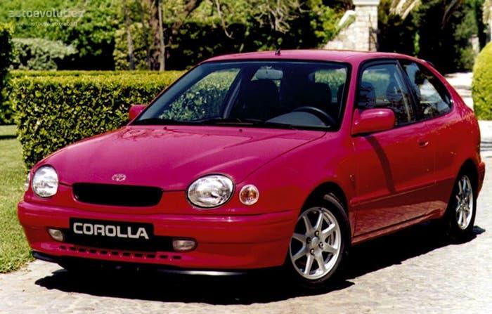 Vista frontal del Toyota Corolla