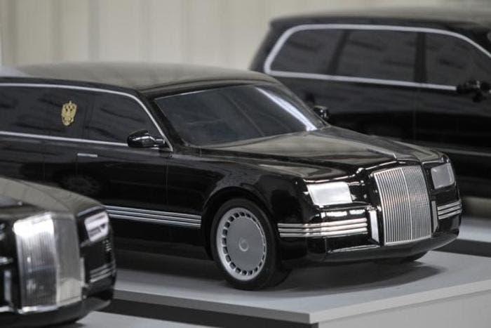 Maqueta limusina de Vladimir Putin