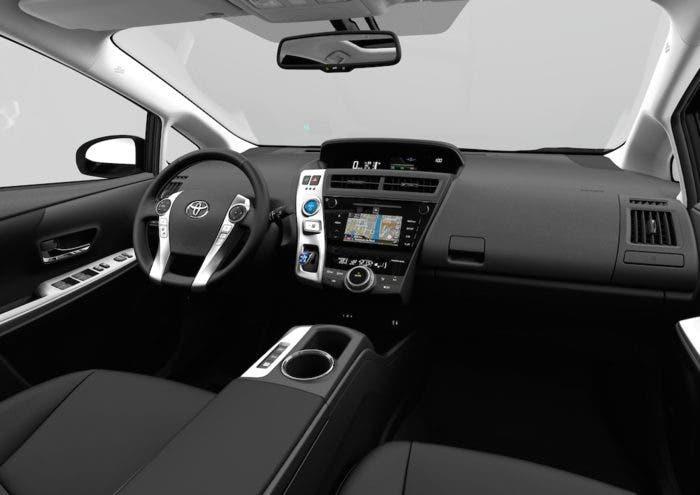 Salpicadero del Toyota Prius+ 2015